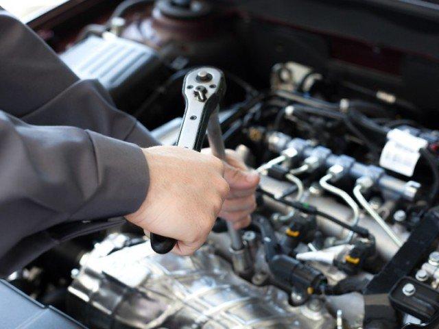 Ремонт двигателя автомобиля 2