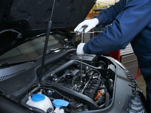 Ремонт двигателя автомобиля 3