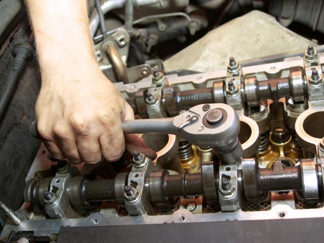 Ремонт двигателя автомобиля 4