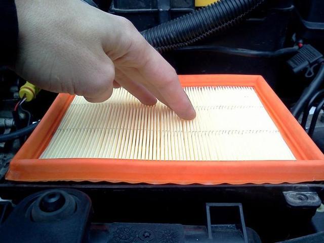 Замена воздушного фильтра автомобиля